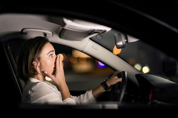 Mujer en accidente de tráfico